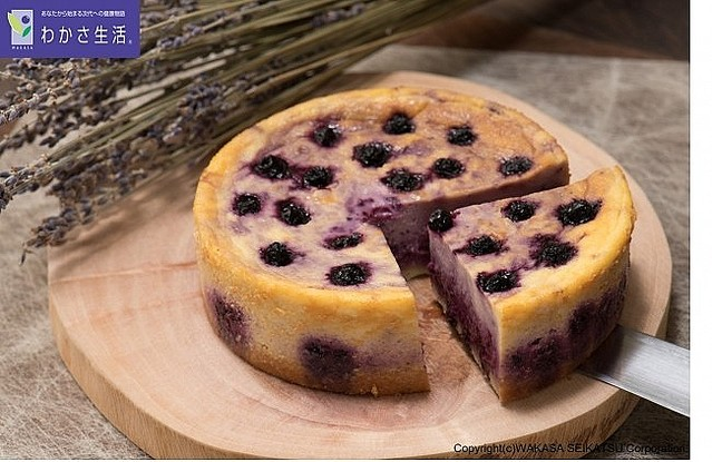 [画像] 「ビルベリー」をふんだんに使用 「ブルーベリーチーズケーキ」