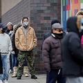 NY州、新型コロナ入院率低下の兆候 感染は3万人超に増加