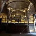 ハマムが見つかったスペイン・セビリアにあるバー「ヒラルダ」の天井(2021年2月22日撮影)。(c)CRISTINA QUICLER / AFP