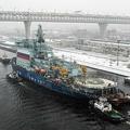 試験航行を終え、サンクトペテルブルクに帰還したロシアの原子力砕氷船「アルクチカ」(2019年12月14日撮影)。(c) OLGA MALTSEVA / AFP