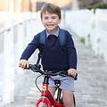 英ルイ王子 3歳誕生日に写真公開