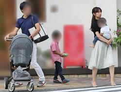 A氏と子供たちと食事を楽しんだ小倉(2018年8月)