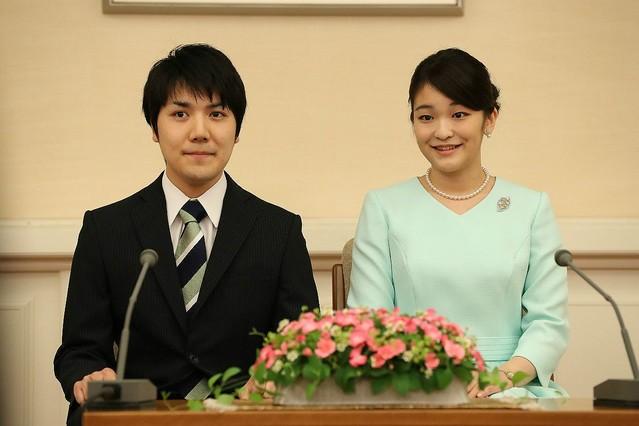 """「眞子さまは20代でご結婚できるか」解決金を支払う小室圭さんの""""懐事情"""""""