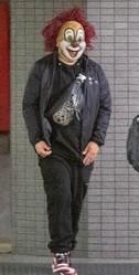 DJ LOVEは常にピエロのマスク姿だ