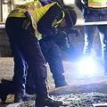 スウェーデン南部ベトランダで起きた襲撃事件の現場を調べる警察(2021年3月3日撮影)。(c)Mikael FRITZON / various sources / AFP