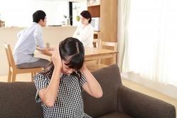 """子どもの前での「夫婦ゲンカ」が及ぼす""""3大悪影響""""&回避のためにできること"""