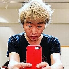 スピワゴ小沢一敬が金髪に Instagramに染めて行く過程を投稿 ...