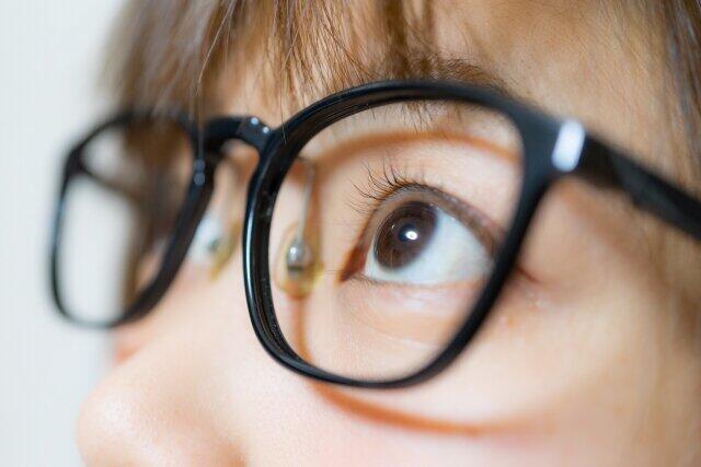 [画像] ブルーライトカット、子供への推奨は「根拠なし」  眼科学会らが意見書「発育に悪影響与えかねません」