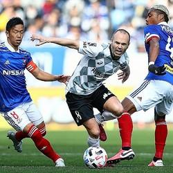 ゼロックス杯は白熱した攻防が繰り広げられた。写真:茂木あきら(サッカーダイジェスト写真部)