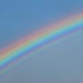 静岡県でレアな現象 繰り返すように虹色が見える「過剰虹」