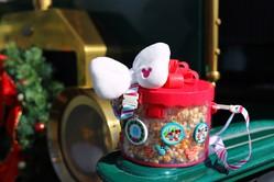 【ディズニー・クリスマス】パークの思い出をそのまま持ち帰りたい♪ おすすめのスーベニア付きスペシャルメニュー3選