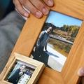 雅子さんは故・赤木俊夫さんの写真を大事そうに抱えていた