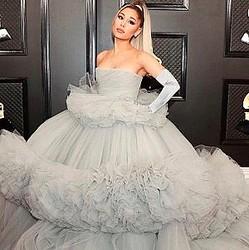 アリアナ・グランデ、新恋人とは自宅で一緒に過ごしているもよう(画像は『Ariana Grande 2020年1月26日付Instagram』のスクリーンショット)