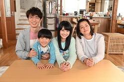 ごくごく普通のサラリーマン・生田浩介(ユースケ・サンタマリア)一家の日常を描く「生田家の朝」/(C)NTV