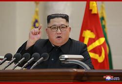 2月8日、人民武力省で演説した金正恩氏(2019年2月9日付朝鮮中央通信)