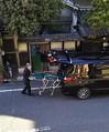 遺体の一時預かりが問題となった民泊施設前。玄関先ではストレッチャーを車に積み込む様子が見られた=昨年12月、大阪市住吉区(住民提供)