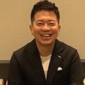 宮迫博之が岡村隆史の結婚を祝福「新婚の内にまた共演できるよう頑張る」