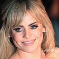 英ウエストロンドンで行われた英国最大の音楽賞「ブリット・アワーズ」の授賞式に登場した歌手のダフィーさん(2009年2月18日撮影)。(c)LEON NEAL / AFP