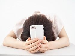 匿名性を盾にしたネットの誹謗中傷にどう対処すべきか(写真/アフロ)