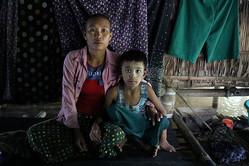 焦点:「骨折れるまで妻を殴る」ミャンマー社会、DV撲滅の戦い