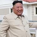 北朝鮮の朝鮮中央テレビは先月15日、金委員長が東部の咸鏡南道新浦市など台風による被害を受けた地域の復旧現場を視察したと報じた=(朝鮮中央テレビ=聯合ニュース)≪転載・転用禁止≫