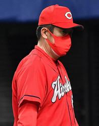 苦しい試合が続く広島・佐々岡監督