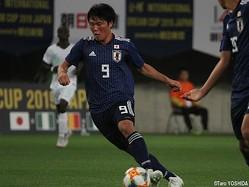 後半5分、U-16日本代表FW勝島新之助は鮮やかな股抜きドリブルから勝ち越しゴール