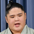 貴ノ富士は9月27日の会見で現役続行への強い意志を示していた