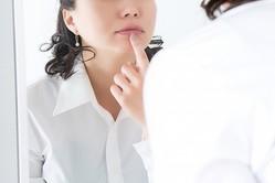 アラフィフ美女が語る美容整形のリスク C型肝炎に感染も