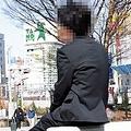 昨年9月までインターネット広告代理店で部長を務めていた小林功さん(仮名・41歳)。収入は720万円からゼロ円になった