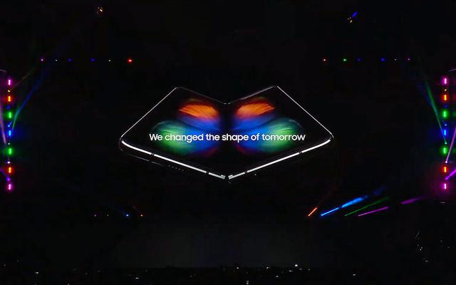 サムスンが折りたたみディスプレイのサンプルをアップルとGoogleに提供?フォルダブル技術売込みのうわさ