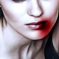 顔に血を塗りたくる美容法 利用者が感染症にかかった例も