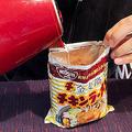 ラーメン袋に直接熱湯 どうなる?
