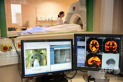 CT検査を受ける患者(2014年1月23日撮影、資料写真)。(c)PHILIPPE MERLE / AFP