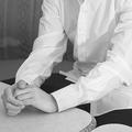 本誌記者のインタビューに応じる吉本興業の元エリート社員。言葉を選びながらの告白は4時間にも及んだ