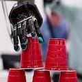 Amazon幹部 全自動化を否定「人間は今後も必要」「人間対機械ではない」