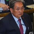 答弁する盧英敏・大統領秘書室長=26日、ソウル(聯合ニュース)
