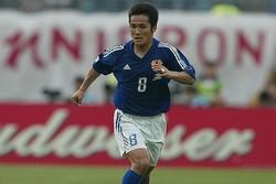 日韓W杯のチュニジア戦で、セレッソのホームスタジアムで先制ゴールを決めた森島寛晃。(C)SOCCER DIGEST