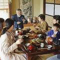 実家で親族が集まっていたことが遠い昔のように思われる(イメージ 写真/PIXTA)