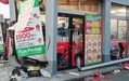 熊本でピザ店に車突っ込む 3人けが