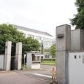 牛久市にある法務省の「東日本入国管理センター」。敷地内での写真撮影は一切禁止されている