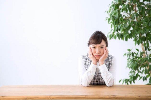 コロナ第3波でもフル出社「営業が出ているから、我々だけ在宅だと申し訳ない」という上司に呆れる30代女性