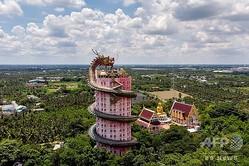 タイ・バンコクから西に約40キロのナコーンパトムにある仏教寺院「ワット・サームプラーン(ドラゴンテンプル)」(2020年9月11日撮影)。(c)Mladen ANTONOV / AFP