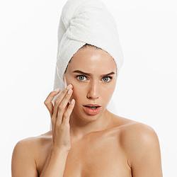 何度も繰り返しできる頬ニキビの原因と上手な治し方は?