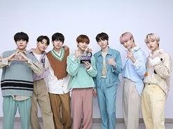 "K-POPグループENHYPEN、音楽番組で初の1位獲得!本格的な""トロフィー狩り""へ"