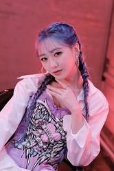 "LOVELYZ スジョン、1stミニアルバム「Tiger Eyes」でソロデビュー""SHINee テミン先輩のステージを見て勉強した"""