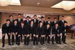J2復帰を果たした今季、新監督の下、スタートを切った。写真:伊藤寿学