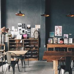 倉庫をリノベーション!秘密にしたいおしゃれカフェで感性磨かれるティータイム