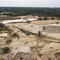 ペルー南東部のアマゾン熱帯雨林の違法採金場(2019年9月1日撮影)。(c)LIDIA PEDRO / AFP