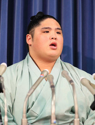 現役引退を発表した貴ノ富士(撮影・白鳥 佳樹)